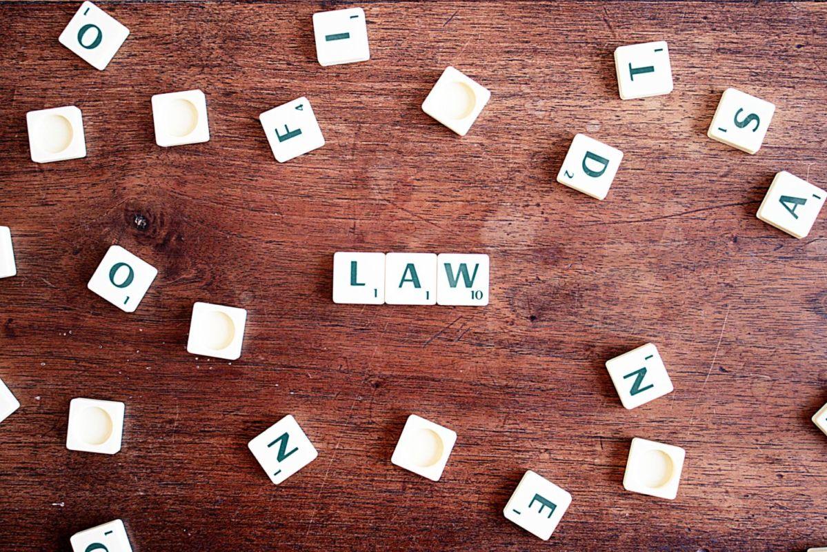 Circular 8/2015 de la Fiscalía General sobre propiedad intelectual e internet