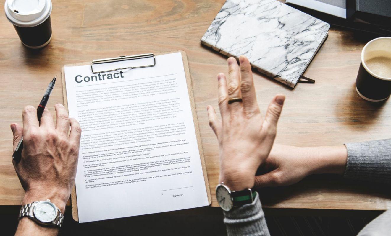 Desarrollo de software a medida: arrendamiento de servicios o contrato de obra